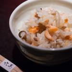 旬の炊き込みご飯セット(汁物付)