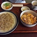 37400602 - 親子丼と蕎麦のセット(1100円)