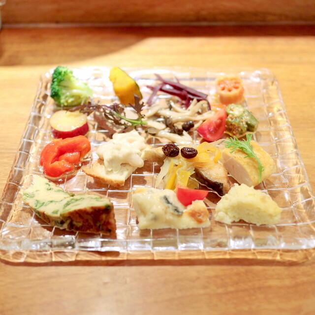 カロローゾ - 前菜15種盛り合わせ '15 3月上旬