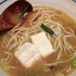 烈志笑魚油 麺香房 三く - 旨いで、豆腐。