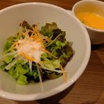 37412044 - カレーを食べた時のサラダとスープ