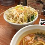 37413084 - 《トマトつけ麺・並》890円                       《野菜トッピング》150円                       2015/4/28