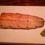 翏 - 鰻白焼き(2100円)