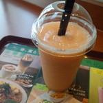 カフェ・ド・クリエ - キャロット&アップルのスムージー