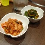 宙 SORA 韓国家庭料理&焼肉 - キムチ2種