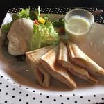 cafe空 - Hot sandwich ハム&チーズ! サラダの上の白いムースはなんとドレッシング!