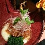 レストラン一国 - マグロのタタキ、ポーチドエッグ