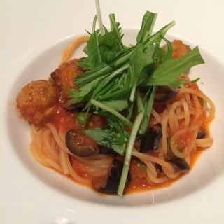 代官山ASO チェレステ 日本橋店 - 鯖のポルペッティとグリーンピースのトマトソースのスパゲッティ