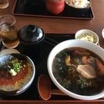 37431237 - いくら丼(小)+ハーフラーメン①