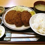 福徳食堂 - メンチカツ定食生卵付 810円 (^^@