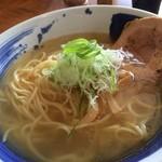 琥珀 - 塩そば 細麺(690円)