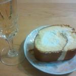 マロニエ - 巧ロール切り分けとスパークリングワイン