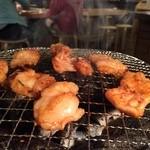 だるま食堂 - 七輪で焼くとウメ〜(≧∇≦)