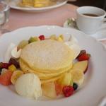 ドゥ・アンジュ - フルーツパンケーキ