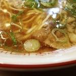 いっぽん - スープの表情 オイル多め