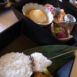 日本料理 京はるか - 京はるかご膳、3段重ねの器に入って