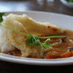 GREEN RATTAN - 白身魚のフリット、レッドカレー