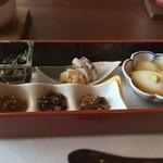 白樺 - 【朝食】おひたし、蒲鉾、山葵漬け、佃煮、温泉卵
