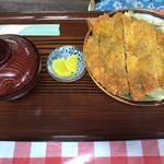 三角食堂 - カツ丼600円