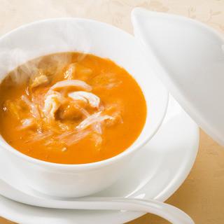 創業当時から愛され続ける逸品「うにとフカヒレのスープ」