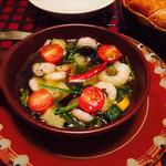 37455114 - 海老と野菜のアヒージョ
