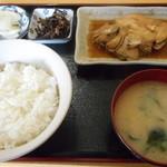 あぶずり食堂 - 煮魚定食