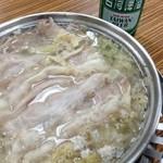 湘南小吃 - 台湾で大人気!酸菜鍋1人前1280円+税