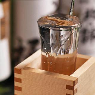 日本酒にこだわる厳選地酒・季節限定酒も多数!