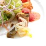 イタリアン クアトロ - 前菜プレートの酢の物と野菜のキッシュ '15 3月中旬