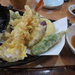 正起屋 - 天ぷら盛り合わせ 730円