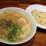 味好ラーメン - 「ヤキメシ定食」(750円)。ラーメン・小ヤキメシのセットです。