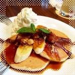 アロハテーブル - キャラメルバナナパンケーキ ぁれ、おいちくなーい(*˘_˘*)