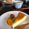 人と木 - 料理写真:チーズケーキ375円