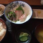 37478797 - 刺身定食(あじ、ぶり、鯛) ¥930