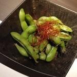 蔵戸 - 中札内黒枝豆のにんにく焼き480円