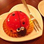 ナルーカフェ - てんとう虫のケーキ
