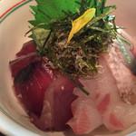 37490183 - 海鮮丼のアップ!