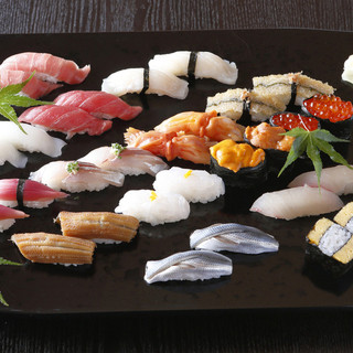 創業大正10年。伝統を守る江戸前寿司。