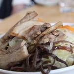 塩山館食堂 - 肉入りラーメン