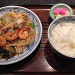 一栄 - 八宝菜