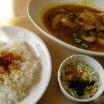 キッチンカズ - やわらか豚肉のカレースープ