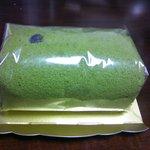 3750078 - お濃茶ロールケーキ (630円)