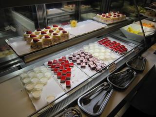タカノフルーツバー 本店 - ケーキのコーナー