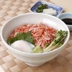 浜名湖近鉄レストラン - 地元静岡県産の桜海老を使った「駿河桜海老丼」