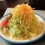 ストロベリーキャンドル - オムライスのサラダ