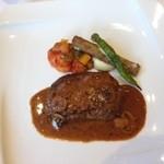 アンジュ・ダズール - ランチコースのメイン料理。仔牛のロースト