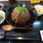 すてーき丼屋 - ステーキ丼 980円(税別)