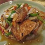 スイート バジル - 魚とセロリの炒め