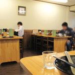 麺工房 はいど  - テーブル席は基本、相席になります。