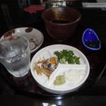 鶴亀庵 - 薬味登場でいよいよ蕎麦か!